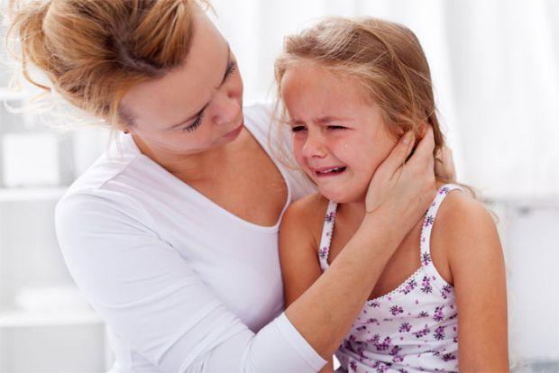 Фрази, які варто говорити батькам, коли їх дитина засмучена.