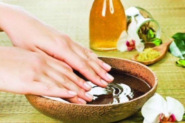 Ефективні рецепти, які зміцнять ваші нігті.