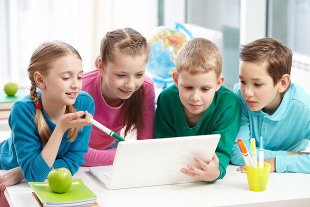 Успіхи вашої дитини в школі залишають бажати кращого? На допомогу прийдуть спеціальні завдання від Олени Калачікової, які допоможуть розвинути логічне