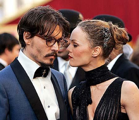 Днями 40-річна актриса Ванессу Параді, яка розлучилася минулого року з Джонні Деппом, помітили на півдні Франції з їх спільними дітьми - 14- річною до