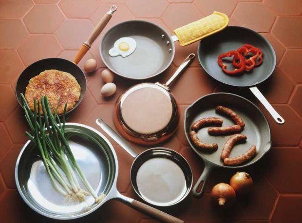 На думку медиків, тефлоновий посуд повинен бути заборонений для продажу в усьому світі.