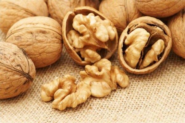 Волоські, або ще як називають, грецькі горіхи дуже корисні для здоров'я. Чим саме - читайте у матеріалі.