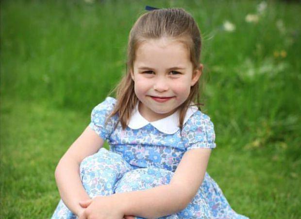 З нагоди свята Кейт Міддлтон опублікувала портрети доньки