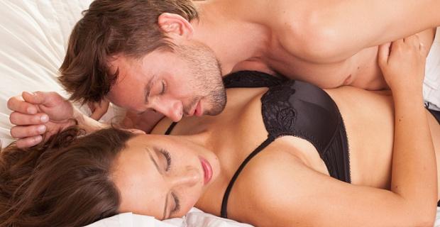 Існує цілий арсенал методів на випадок проблем зі сном. Згідно з висновками британських фахівців, секс перед сном - це одне з найкращих засобів для сп