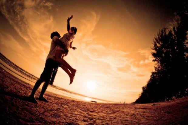 Науковці з Університету Ватерлоо провели експеримент, який допоміг визначити потужний метод, здатний поліпшити відносини.