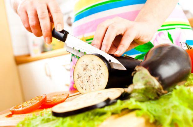 Організм вагітної жінки особливо потребує вітамінно-мінерального комплексу. Баклажани – це джерело і вітамінів і мінералів, але користь «синеньких» дл