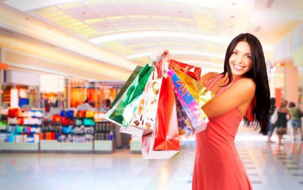 В последнее время онлайн-покупки стали очень популярны, но все же остались любители побегать по скучным торговым центрам, убивая свое время и силы. В
