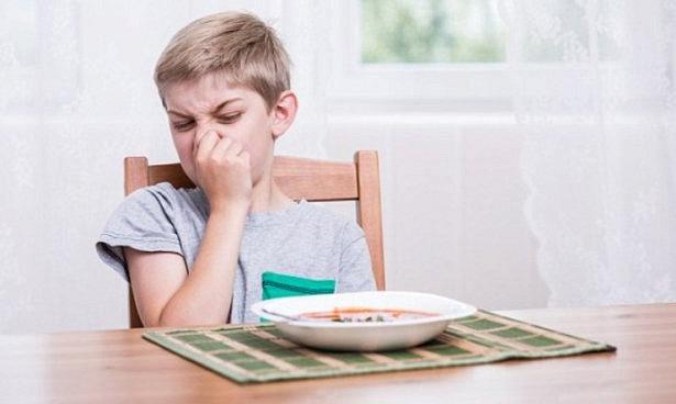 Методика хабарів неефективна у впливі на дитину, яка примхлива стосовно їжі.