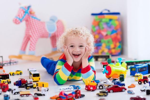 У вас подрастает ребенок и вы не хотите покупать любые игрушки, а чтобы были полезными, тогда читайте дальше.