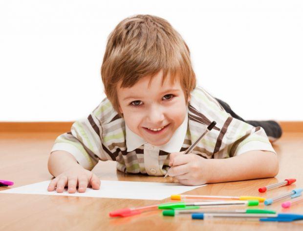 Найгірша порада, яку можуть отримати батьки маленького лівші, це змушувати його діяти тільки правою рукою.