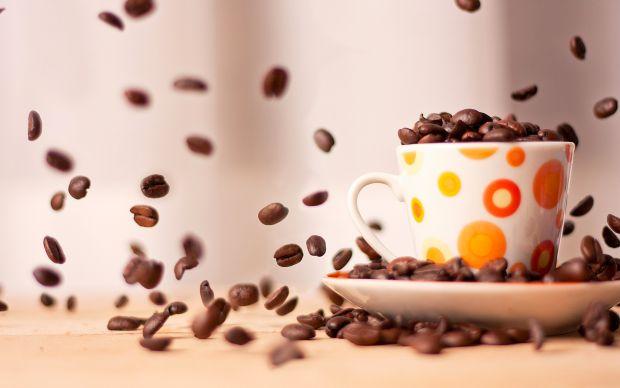 Любов до кави не тільки вранці – для багатьох стала ефектною частиною іміджу. Але чи безпечнаа ця звичка, і чи є шанс стати справжнім кавовим наркоман