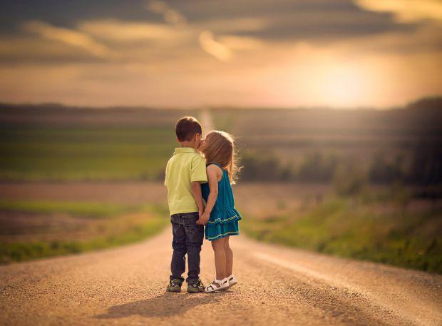 Для кожного - свій вік і час на першу любов. І всі ми знаємо, що це почуття, навіть якщо й взаємне, рано чи пізно