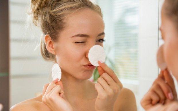 Для того, аби шкіра обличчя була здоровою і сяяла, потрібно користуватися щоденним доглядом, обраним за типом шкіри. Однак, косметологи наполягають, щ