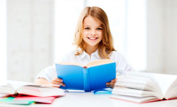 Казки ефективніше впливають на розвиток дітей, якщо їх читають батьки, при цьому дівчатка, як виявилося, здатні отримати від цього найбільшу вигоду.