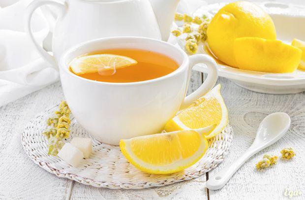 Як тільки за вікном з'являється осінній дощ і вітер, люди починають налягати на чай з лимоном, медом й іноді імбиром, щоб зміцнити імунітет або поліку