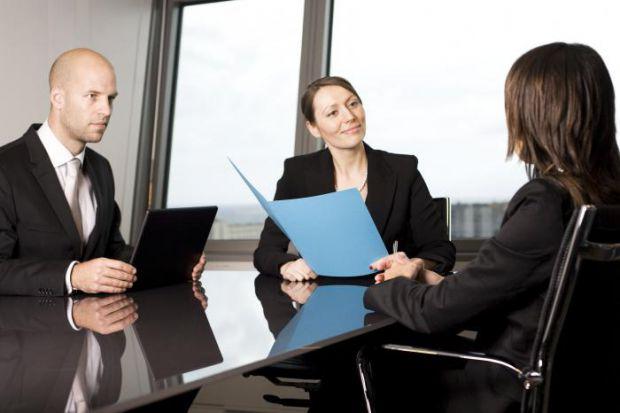 Як представити серйозну тему, розказувати доповідь, щоб слухали інші - читайте далі.