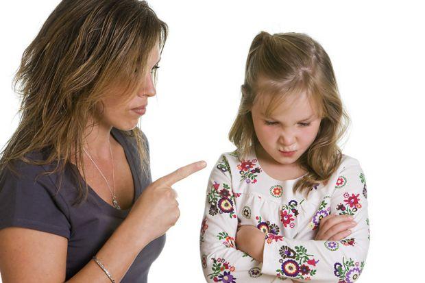 Ситуації, коли ми все-таки повинні зробити якісь зауваження дітям, бувають досить часто. Як бути, якщо треба щось виправити в поведінці дитини?