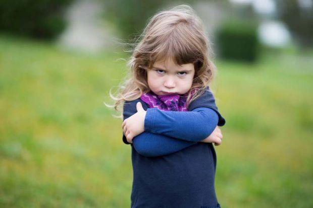 Часто ми не можемо усвідомити, у чому причина: вдома дитина слухняна й весела, а на вулиці вередує і не слухає дорослих. Виявляється, у такої поведінк