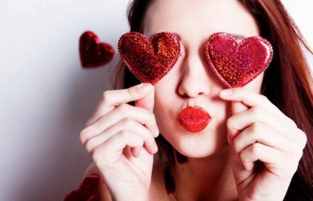 Що вам спадає на думку при згадці дня Святого Валентина? Найімовірніше, шоколад, м'які ведмедики і, звичайно ж, серця всіх кольорів і розмірів.