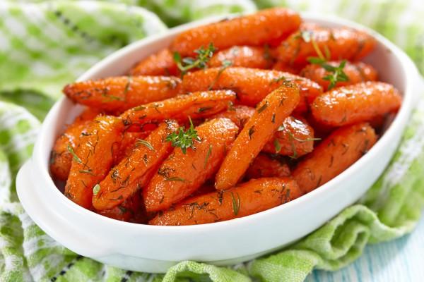 Салати в яких багато вітамінів, до того ж, вони не нашкодять фігурі.