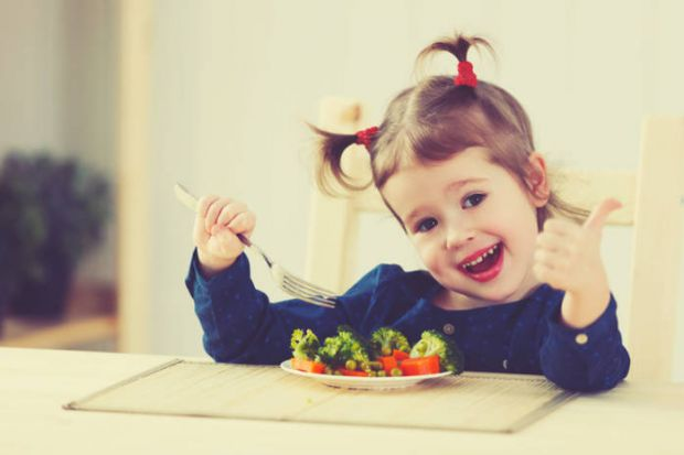 Дворічна дитина вже багато що може сама, у малюка виробляється характер і розуміння навколишнього світу. Продовжують формуватися харчові пристрасті і
