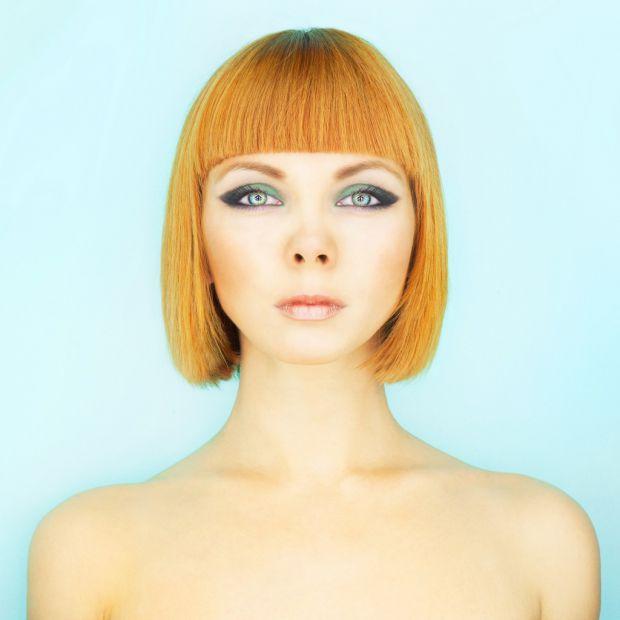 Пишна зачіска не дарма вважається ознакою молодості. Ближче до 40 років діаметр волосяних фолікул починає зменшуватися, що впливає і на саме волосся.