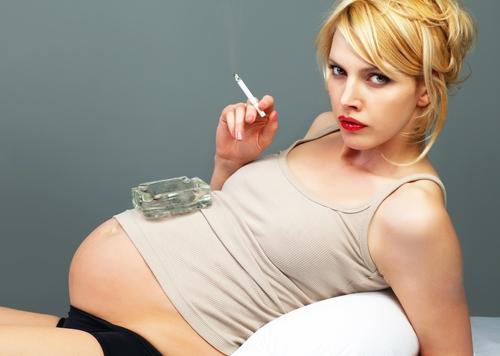 Вплив диму в утробі матері і після народження пов'язаний з порушеннями слуху у дітей. До такого висновку прийшли дослідники з Японії, про це повідомля
