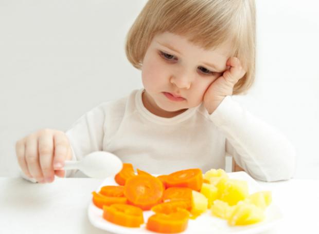 Нове дослідження, проведене співробітниками Королівського коледжу Лондона і Лондонського університету, показало: тверда їжа рятує дітей від проблем зі