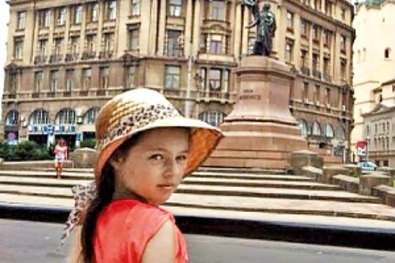Одіозна балерина Анастасія Волочкова відправила маму з донечкою до культурної столиці України, то ж не цурається ділитися особистими кадрами та схваль