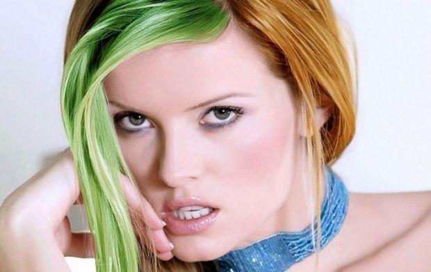 Каждой представительнице прекрасного пола хочется выглядеть стильно и эффектно. Именно поэтому многие решаются на окрашивание волос. К сожалению, посл