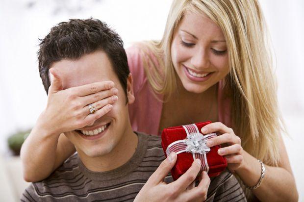 Щоб ви завжди були напоготові, ми приготували універсальний гід по практичних подарунках для чоловіків.