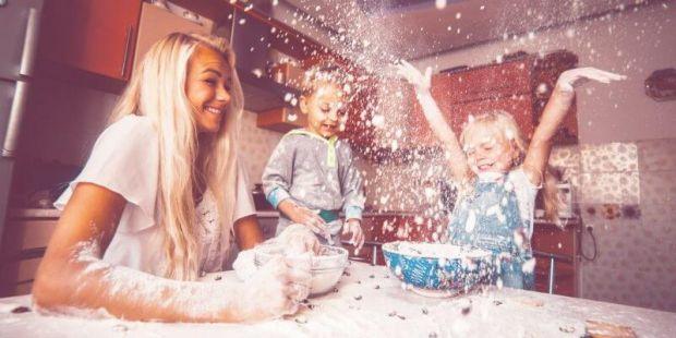Ви думаєте, як розважити малюка, але не думаєте про наслідки. От декілька занять, які можуть призвести до істерик і домашніх клопотів.