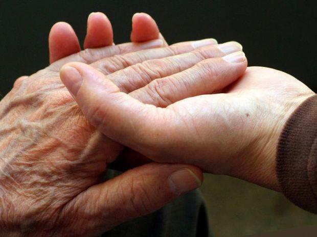 """Вчені запевняють, що є підстави говорити про """"епідемію деменції"""", до якої більшість країн зараз не готові."""