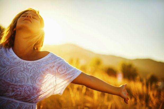 Для того, щоб відтермінувати неприємні симптоми менопаузи, виявляється, багато не потрібно. Повідомляє сайт Наша мама.