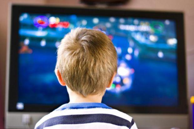 Вчені з Медичного центру Дартмут-Хічкок в рамках дослідницької роботи дізналися, що реклама на телебаченні може викликати появу ожиріння і онкології у