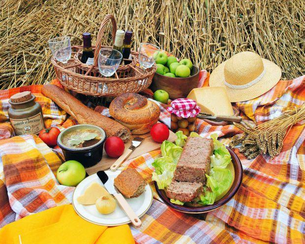 а словами дієтологів, якщо з меню виключити важку їжу, жирні страви, натомість додати свіжих фруктів та овочів, то можна почуватися набагато здоровіше