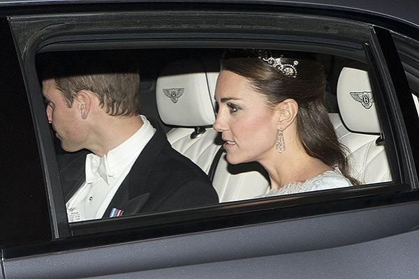 Кейт знову з'явилась в тіарі, яку одягала на власне весілля у 2011 році.
