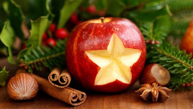 Вчені з'ясували, що яблука впливають на тривалість життяЗа даними вчених, яблука містять хімічний елемент - епікатехін поліфенол, користь якого важко