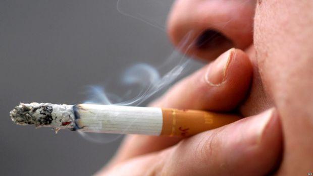 Академіки з Америки розповіли, що завзяті курці можуть зіткнутися з погіршенням зору. Це стосується осіб, які курять більше 20 сигарет щодня.