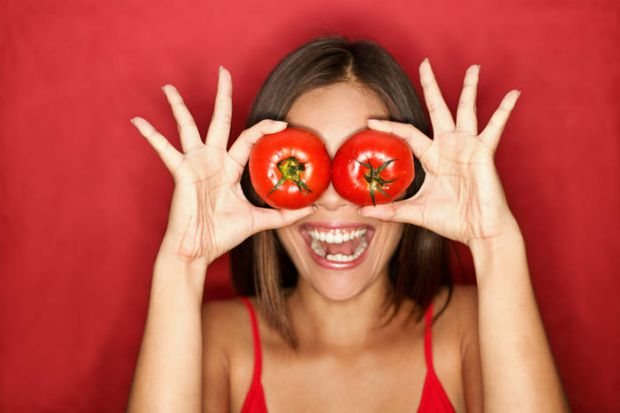 Мучитеся питанням, як схуднути? На допомогу вам прийдуть помідори. Посидівши на томатному раціоні тиждень, ви легко позбавитеся від 3-х зайвих кілогра