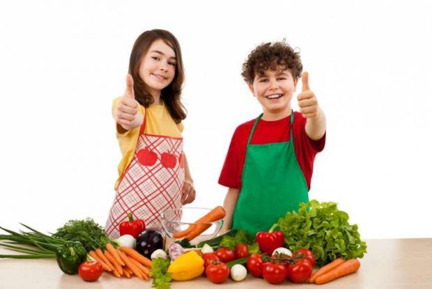Назвемо 10 продуктів, корисних для підлітків.