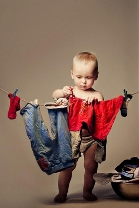 Як навчити дитину допомагати і виконувати обов'язки по дому - читайте далі.