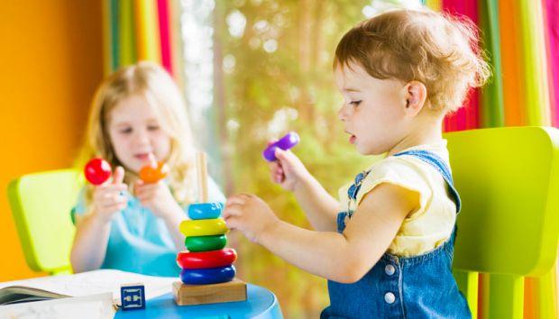 Зі скількох років варто давати малюка в дитячий садок - читайте далі.