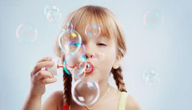 Як приготувати мильні бульбашки вдома?