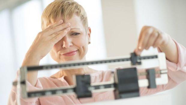 Рекомендації лікарів, які допоможуть схуднути під час менопаузи.