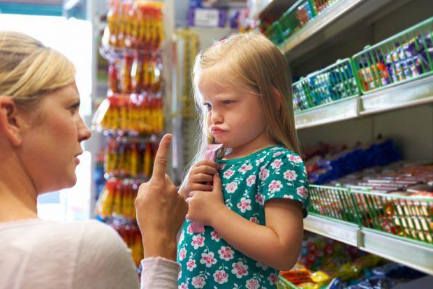 Ви в магазині, а дитина вимагає купити все і одразу?