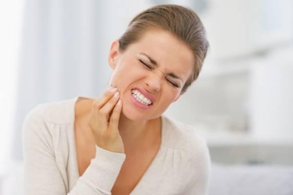 Рецепти, які допоможуть заспокоїти зубний біль.