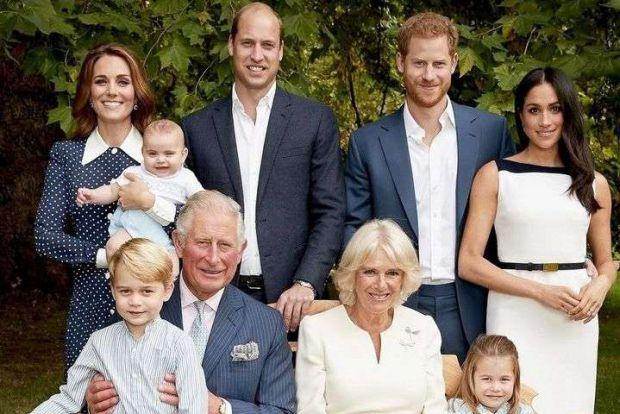 Вперше малюків королівської родини так багато і вони такі балакучі. Повідомляє сайт Наша мама.