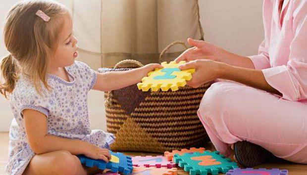 Для повноцінного і гармонійного розвитку особистості дитині необхідно рости в теплому сімейному оточенні, в атмосфері любові і розуміння. Так що батьк