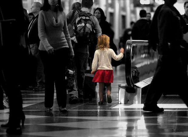 Останнім часом такі невтішні новини з'являються по всій Україні: дитина вийшла з дому і не повернулася. Що в такій ситуації робити мамі і татові?